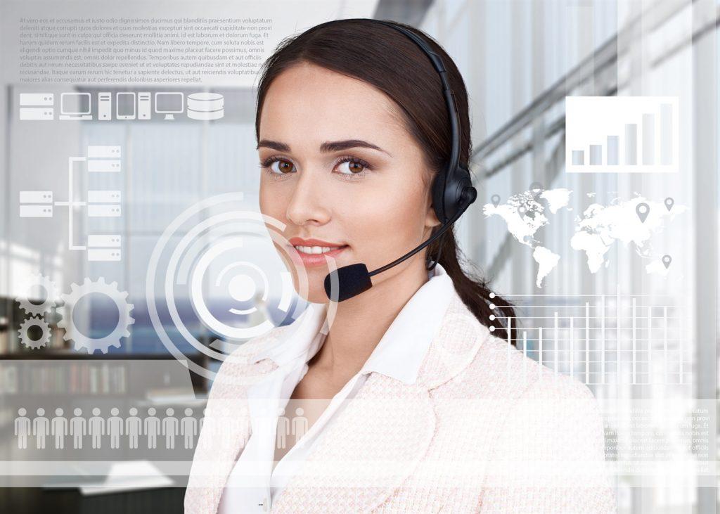 Intérprete virtual con equipo profesional en una cabina de interpretación
